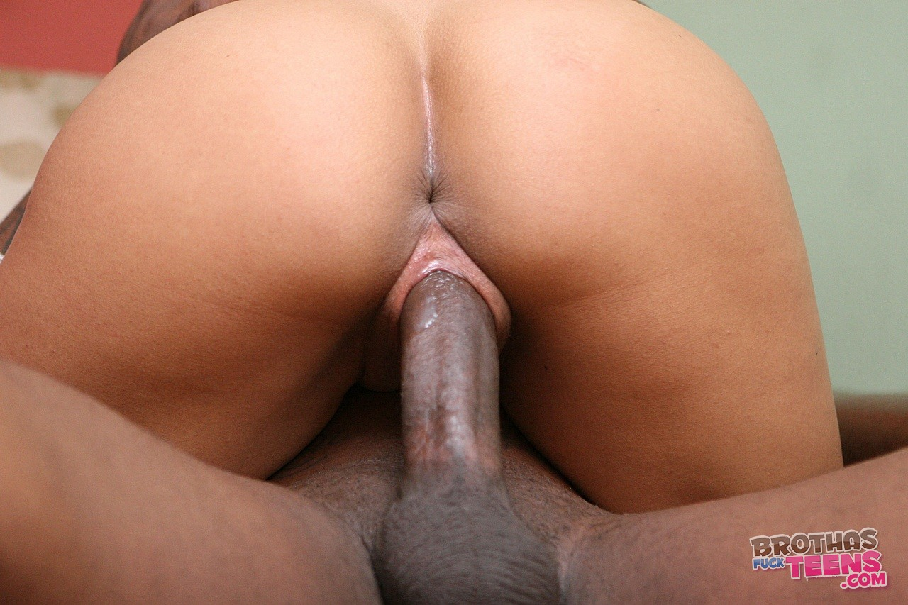 Dick in pussy close